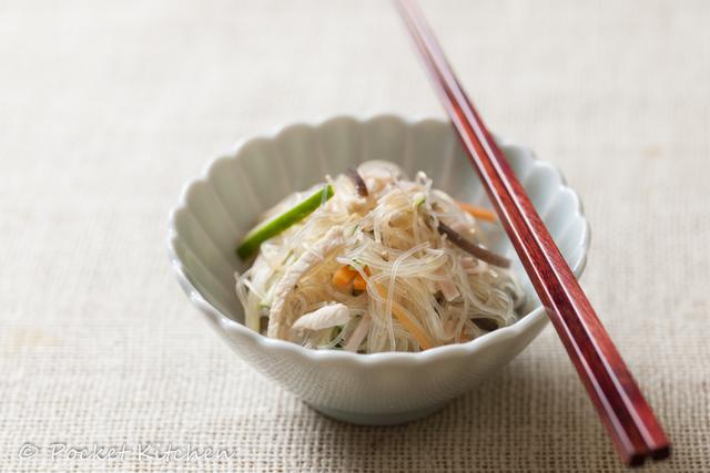 鶏肉と細切り野菜の中華ドレ